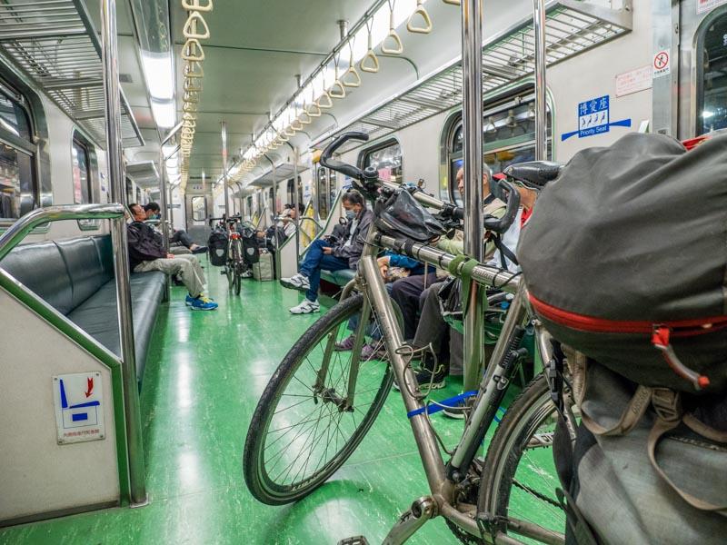折磨單車客的兩鐵列