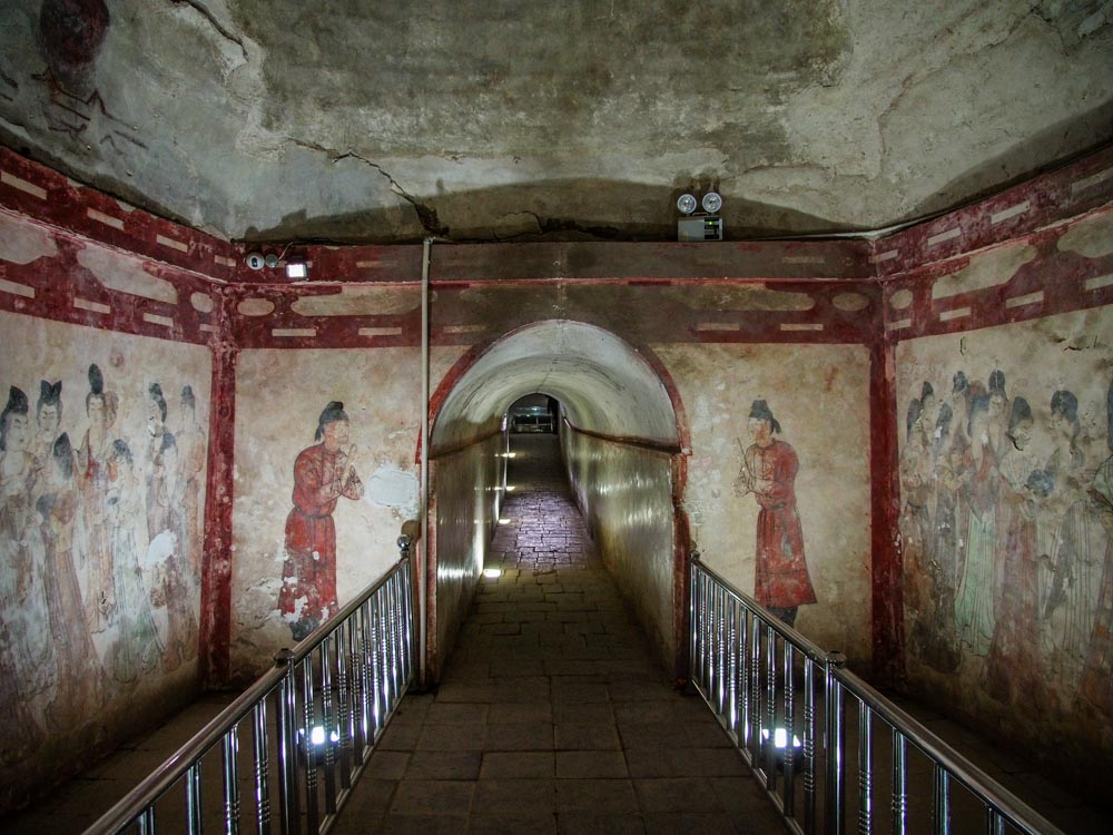 通往墓室的通道
