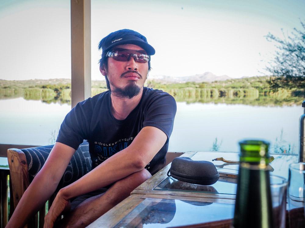 adhoc的太陽眼鏡和Halo的止汗遮陽帽是我的最愛