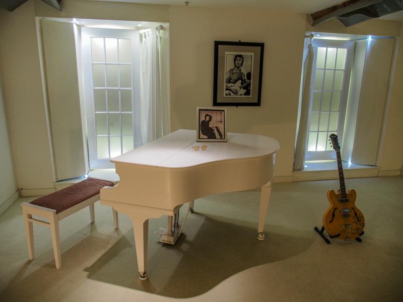 John Lennon 在 Imagine MV 裡面的房間